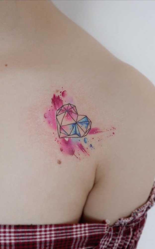 Olha que linda tatuagem aquarela coração.