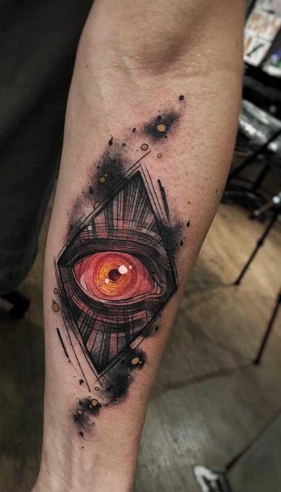 Alguns desenhos são perfeitos para fazer uma tatuagem aquarela masculina.