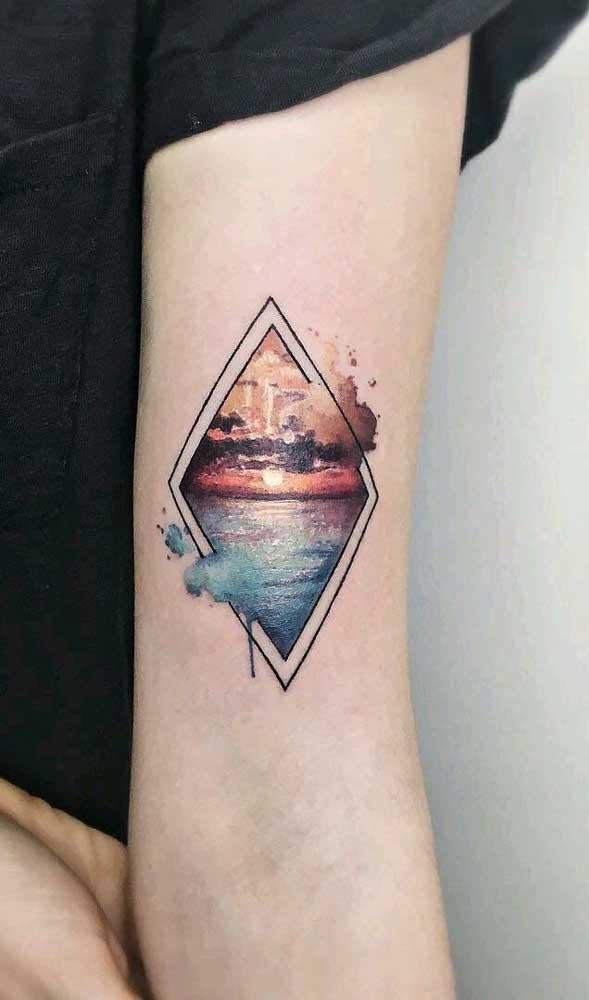 Você pode usar uma foto real como figura para sua tatuagem aquarela.