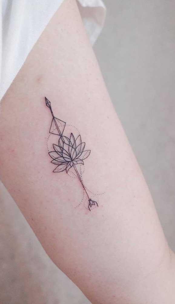 Incrementa a sua tatuagem de flecha.