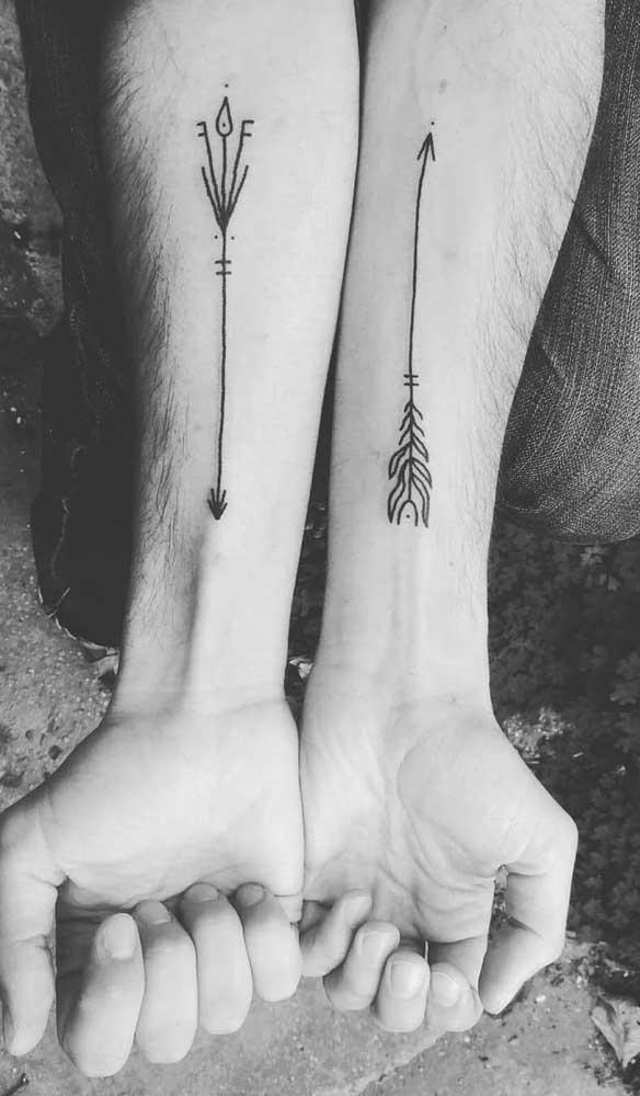 Você pode escolher o mesmo símbolo com formatos diferentes na hora de fazer a sua tatuagem.