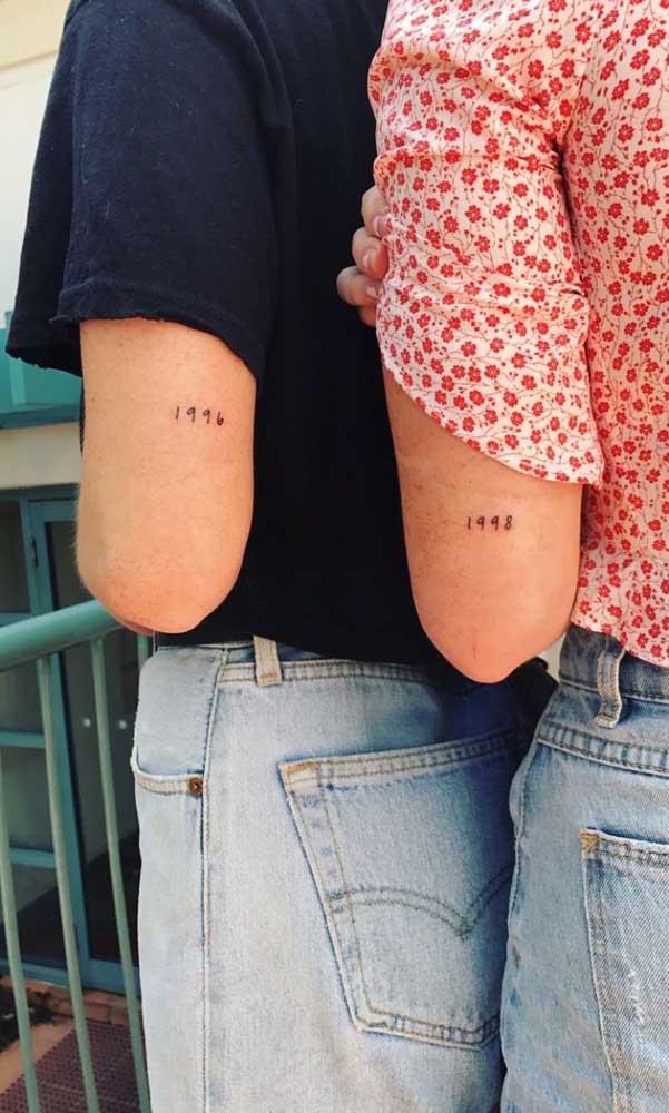 Aproveite a tattoo para eternizar um ano importante para as irmãs.