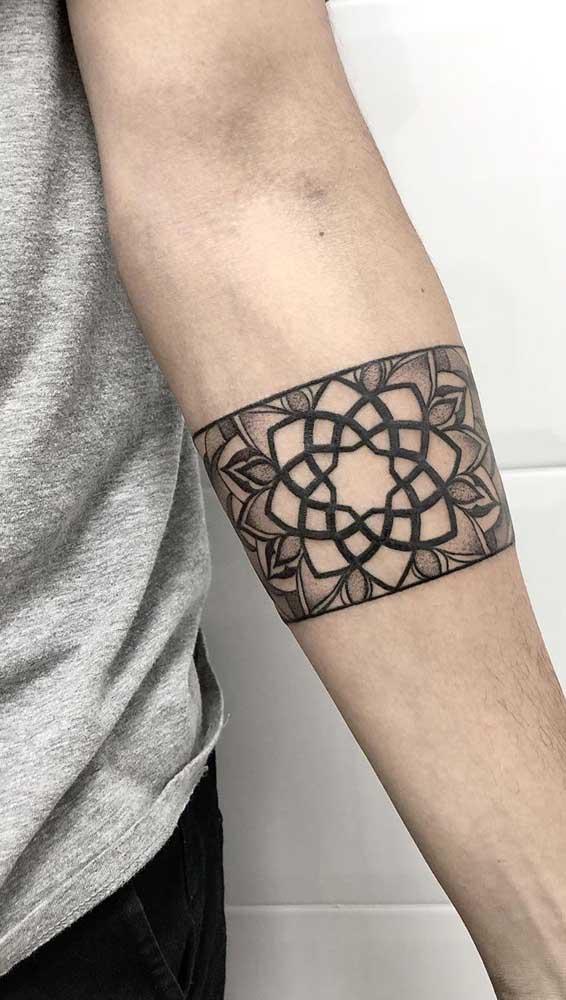 Uma das flores mais pedidas na hora de fazer uma tattoo é a flor de lótus.