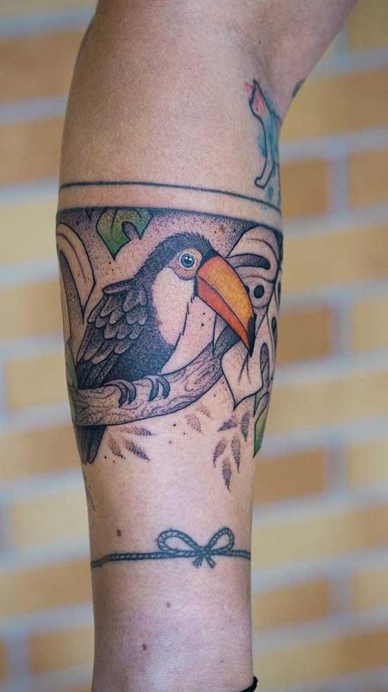 Sabia que é possível fazer a imagem de um animal na tatuagem bracelete?