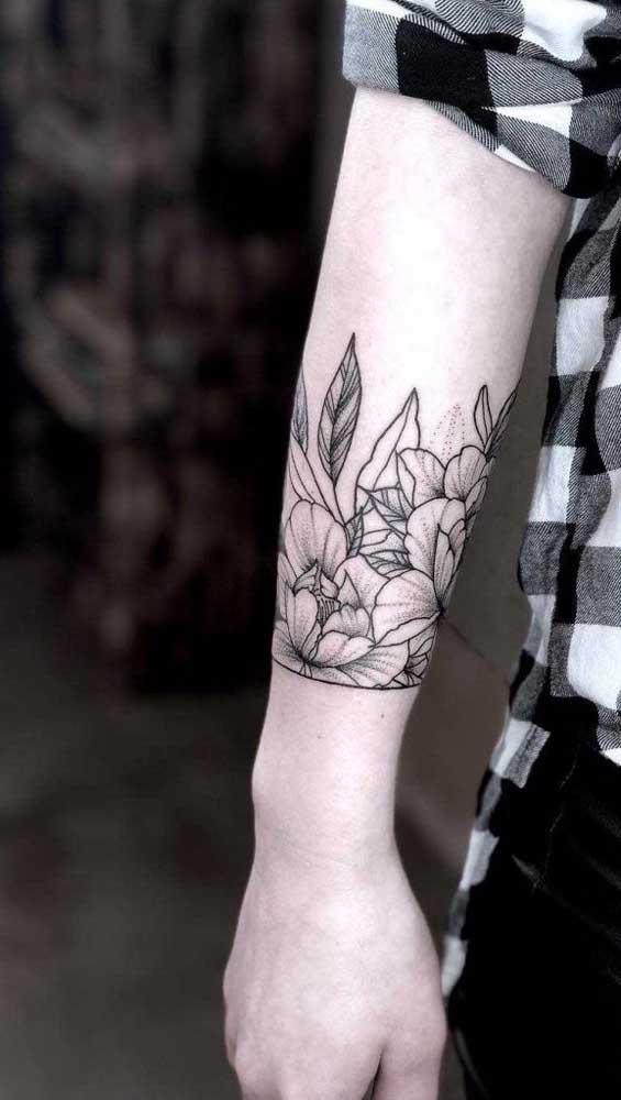 Verifique muito bem a área onde será feita a tatuagem bracelete.
