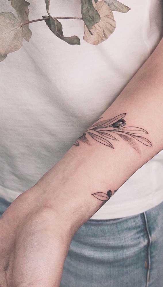 Que tal fazer um bracelete tatuagem para chamar atenção?