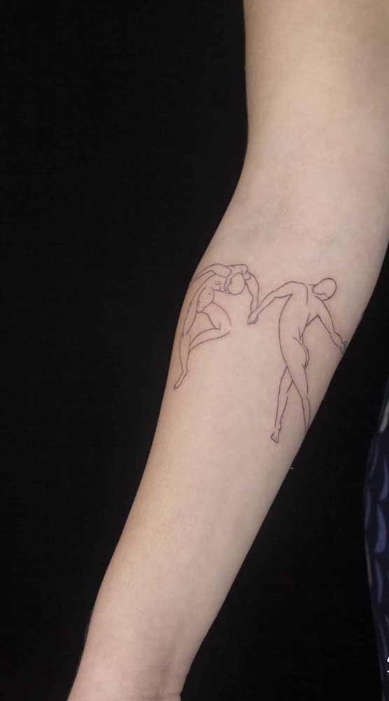 Se a dança te representa, nada melhor do que tatuar isso no seu corpo.