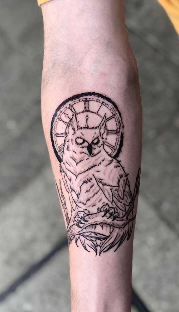 Até animais você pode acrescentar na tatuagem de relógio.