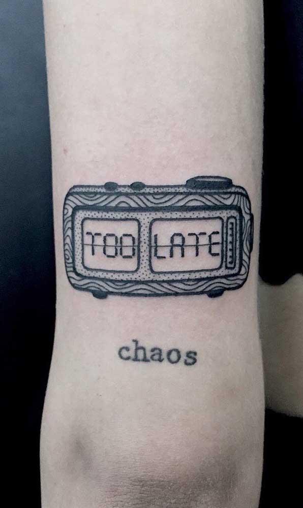 Olha que tatuagem mais criativa e interessante de fazer no seu corpo.