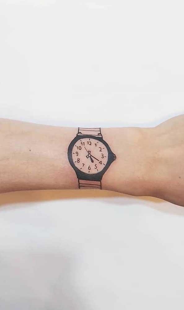 Já pensou em tatuar o seu próprio relógio?