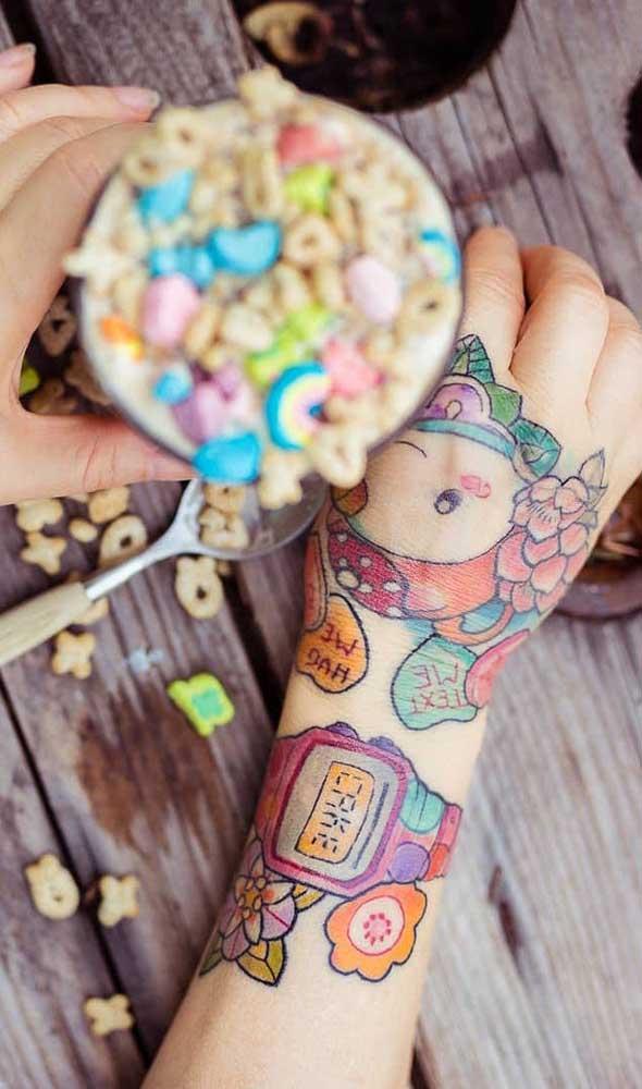 Mas se a intenção é radicalizar, aposte na tattoo colorida.