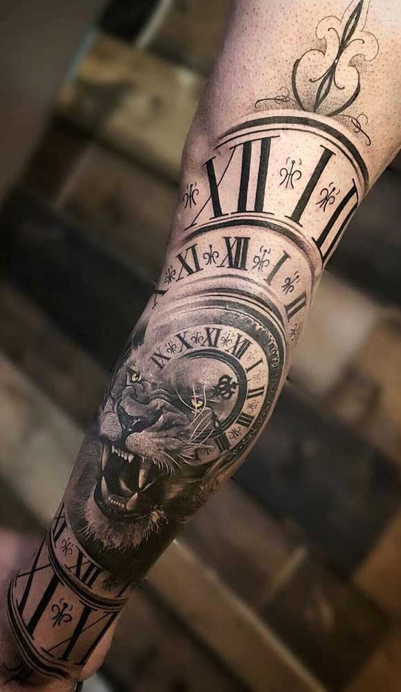 Somente dessa forma é que o tatuador pode fazer uma obra de artes como essa.