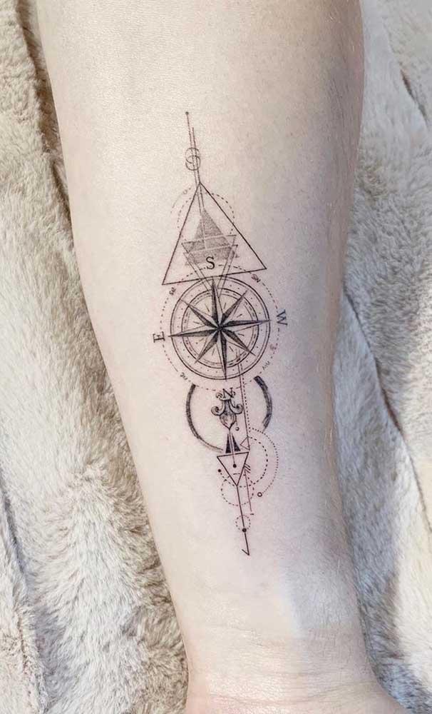 E escolher a melhor região do corpo para fazer a sua tatuagem rosa dos ventos.