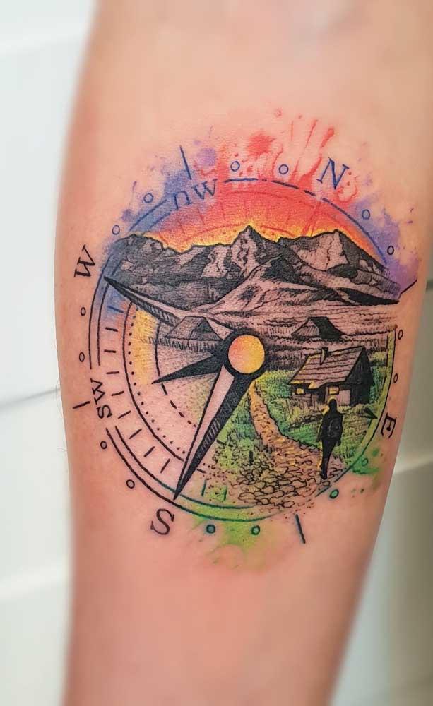 A tatuagem rosa dos ventos aquarela está super em alta.