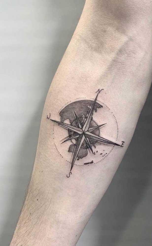 Que tal fazer uma tatuagem rosa dos ventos no estilo 3D?
