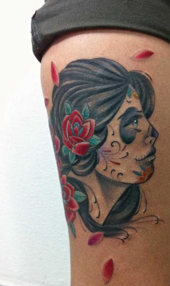 Contrate um profissional especializado na hora de fazer a tatuagem catrina.