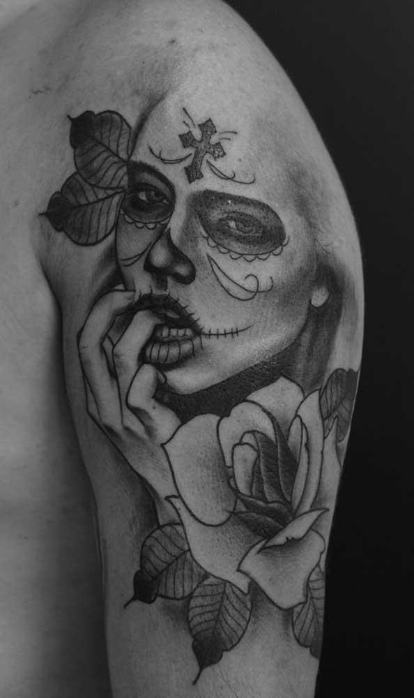 O que acha de fazer uma tatuagem catrina totalmente sensual?