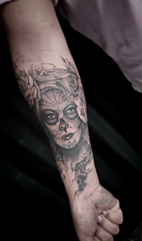 É cada figura da Catrina uma mais linda que a outra que é impossível não ficar na dúvida na hora de escolher a tattoo.