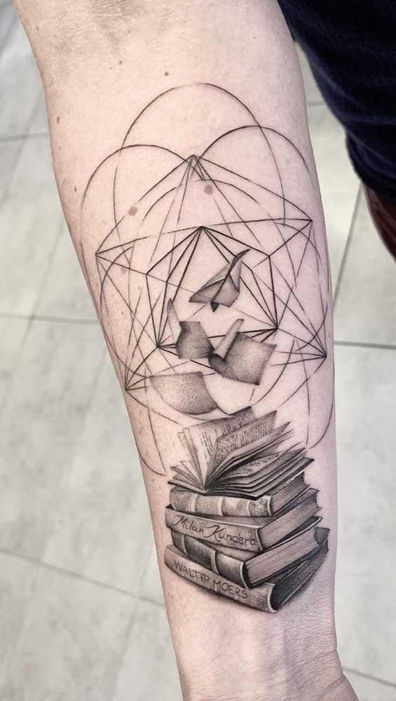 O que vale nesse momento é fazer uma tatuagem de livros que represente você.