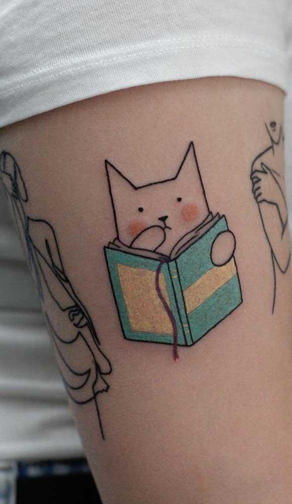 Eu acho que vi um gatinho lendo um livro. É isso mesmo?