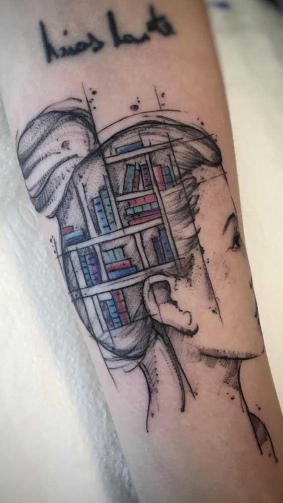 Veja que ideia genial: uma estante de livros na cabeça para representar o seu conhecimento.
