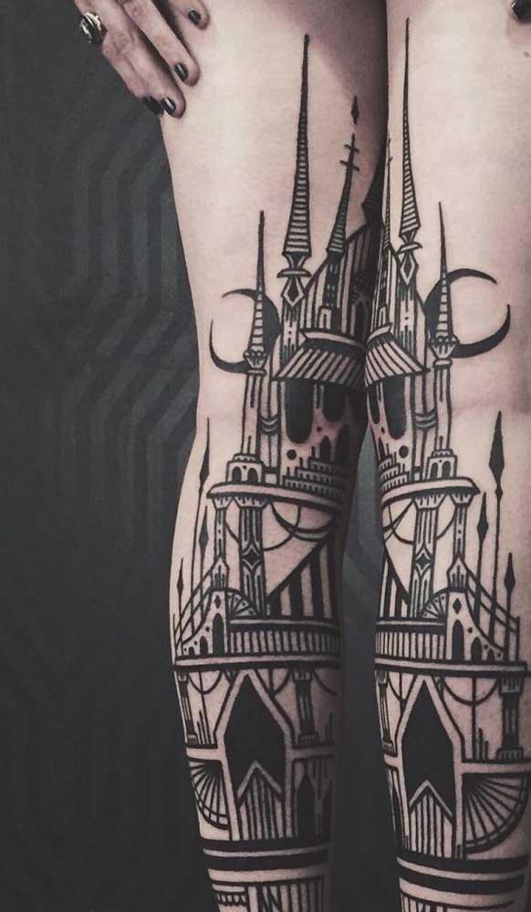 Você quer radicalizar na hora de fazer uma tatuagem na panturrilha? Então se inspire nesse modelo.