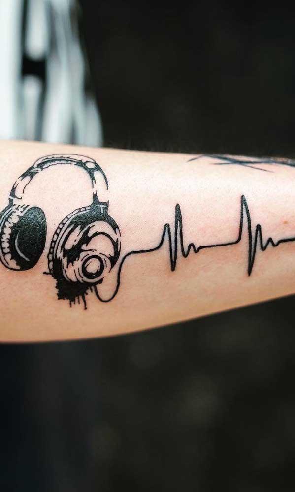 Seguindo no estilo de música o batimento cardíaco pode representar o fio do fone.
