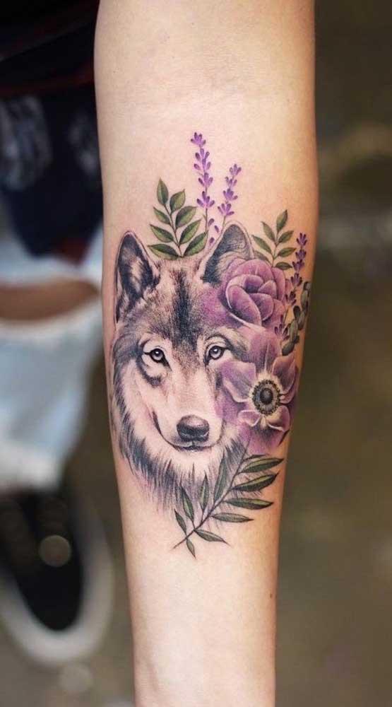 Misture elementos na hora de fazer a tatuagem fofa.