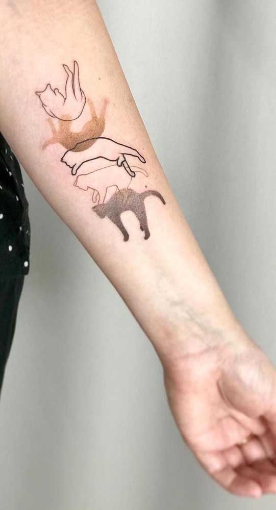 Olha que tatuagem fofa diferente para fazer no braço.