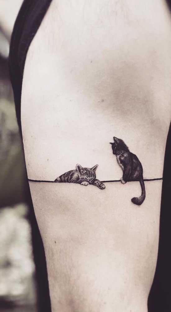 Quem disse que não há opção de tatuagem fofa masculina?