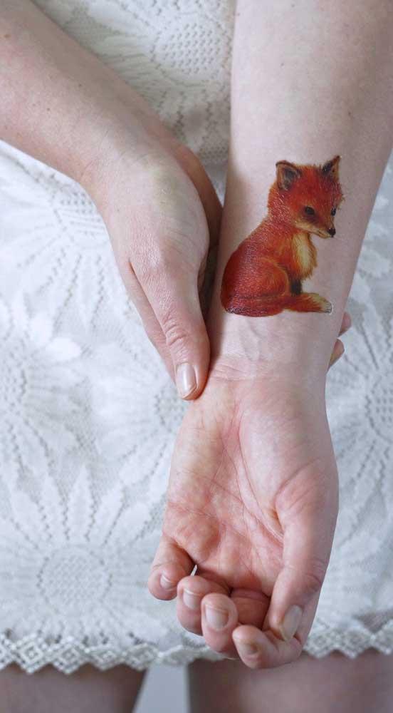 Você pode fazer uma tatuagem fofa independente do estilo.