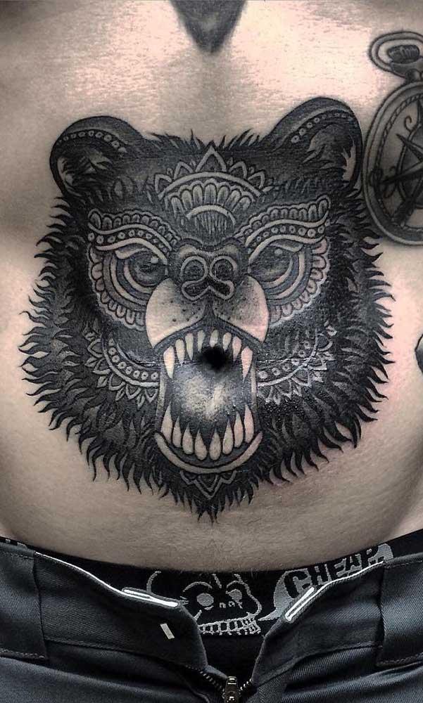 Brinque com o corpo na hora de fazer a tatuagem na barriga.