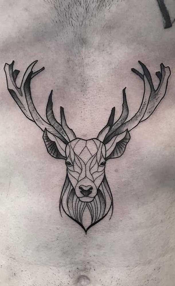 Já os homens preferem algo mais clássico na hora de escolher a tatuagem na barriga.