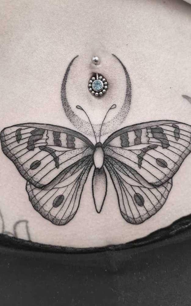 Que tal combinar a tatuagem na barriga com um piercing no umbigo?