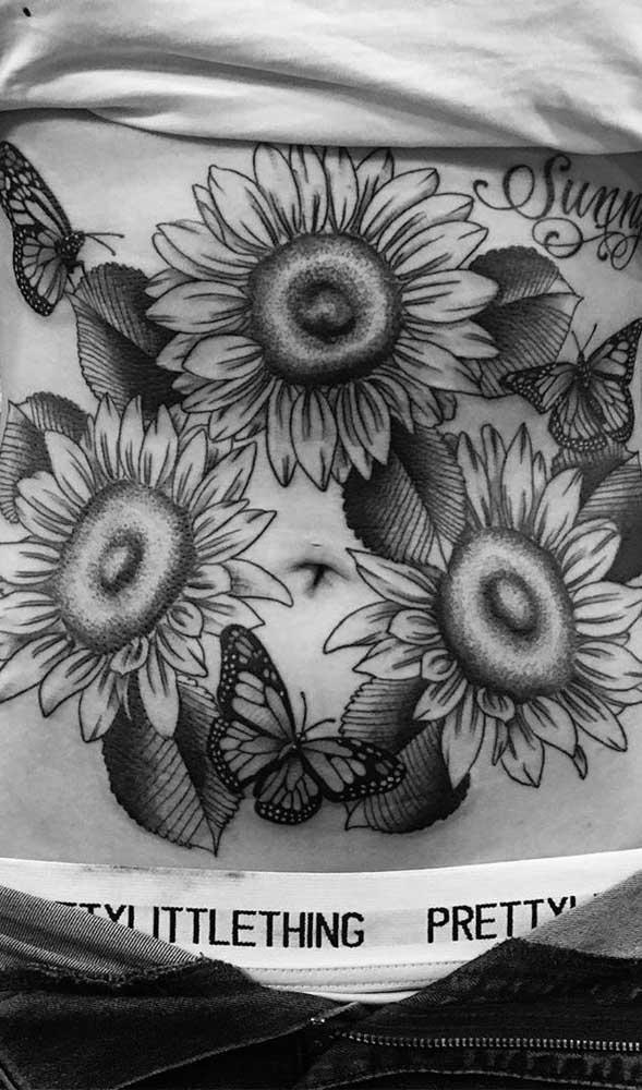 Tem combinação melhor do que borboleta e flores?
