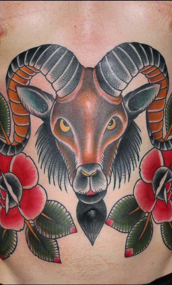 Você pode apostar na tatuagem na barriga com características coloridas.