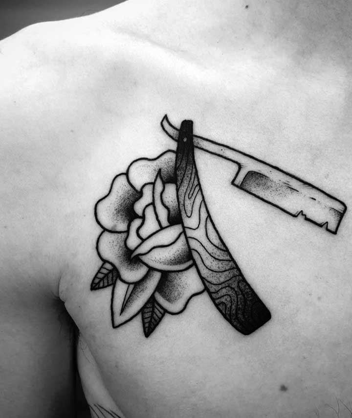 Ou quem sabe fazer uma tatuagem old school no peito?