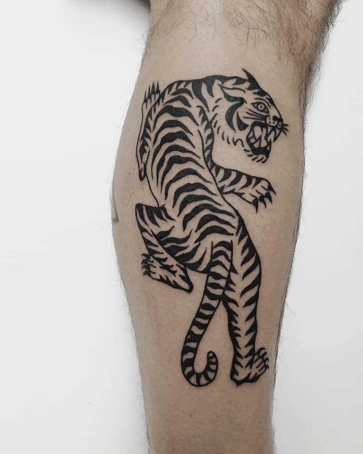 Vai encarar uma tatuagem old school como essa?