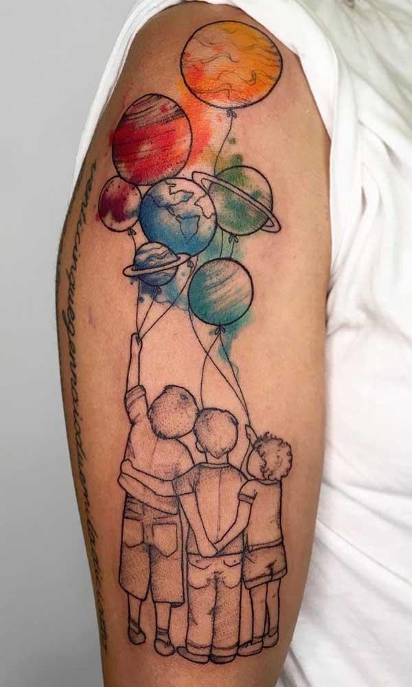 Três filhos e uma só tatuagem!