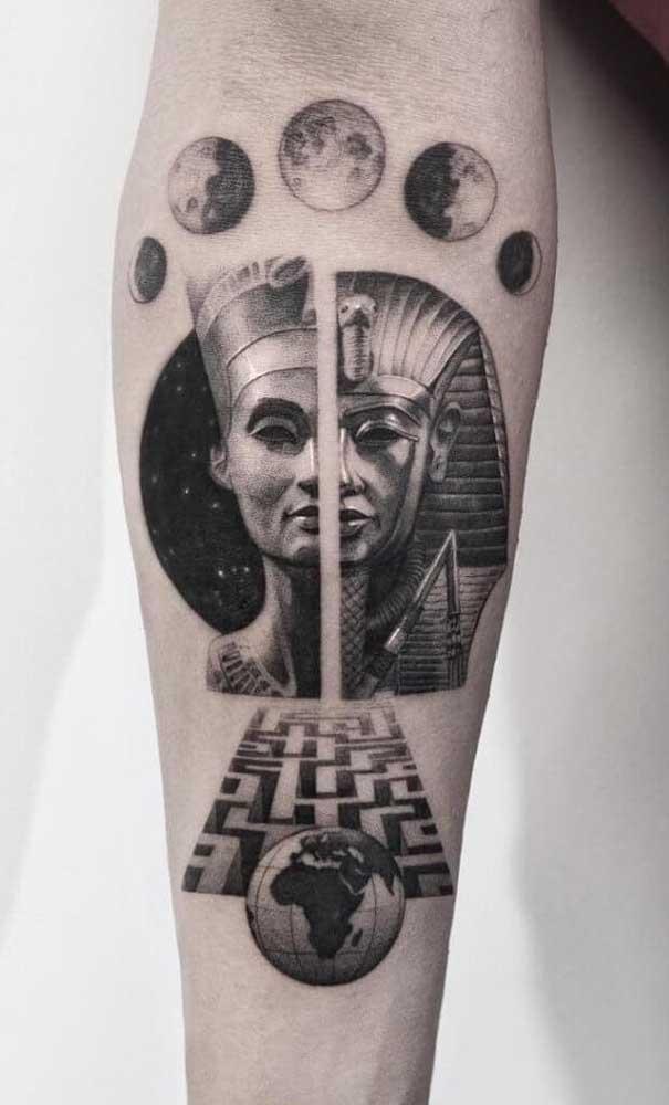A força mística e espiritual das tatuagens egípcias são levadas ao nível máximo por aqui
