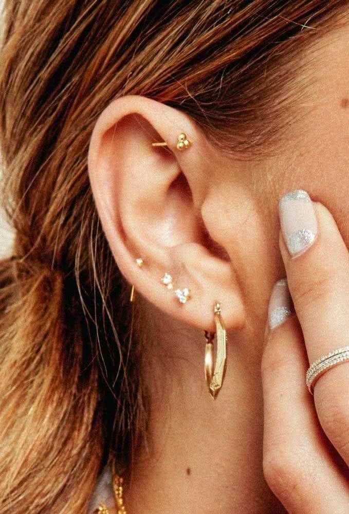 Mesmo o ousado anti-hélix pode se tornar delicado dependendo da joia