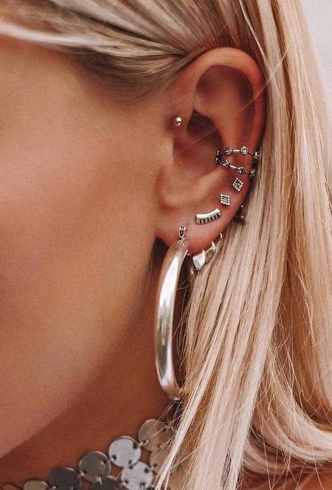 Piercing na orelha discreto para quem não quer exagerar no look